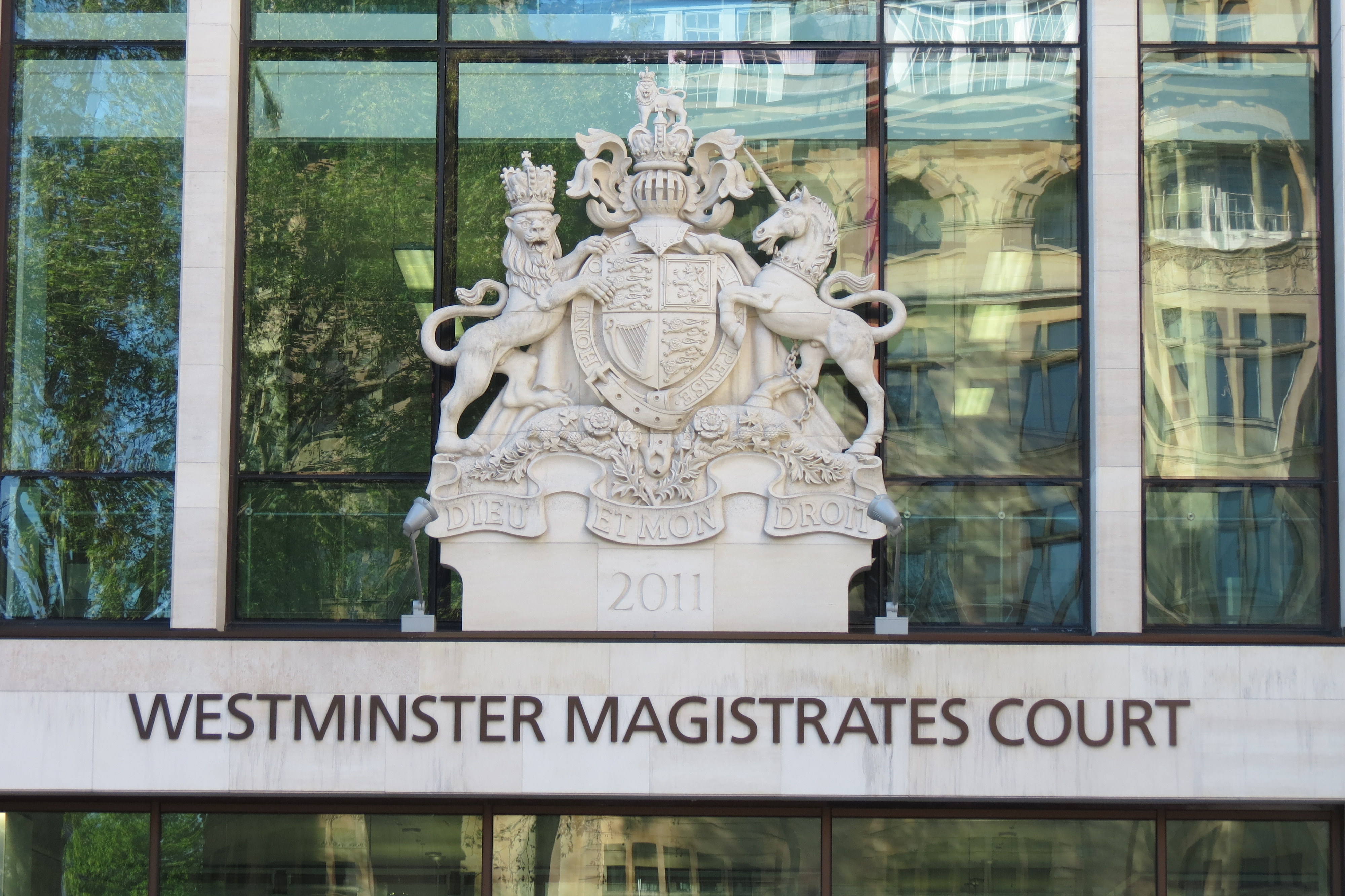 the magistrates court Nearly all criminal cases start in magistrates' courts the less serious offences  are handled entirely in the magistrates' court, in fact more than 95% of all cases.